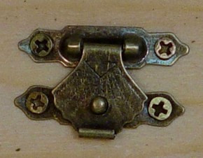 Zár szögekkel, bronz 3*2 cm 5/cs 1065b C