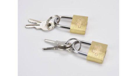 Mini fémlakat kulccsal 1,8*3cm 2 szett/cs 1064C